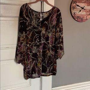 Women's Harmony Blouse. Size XL.